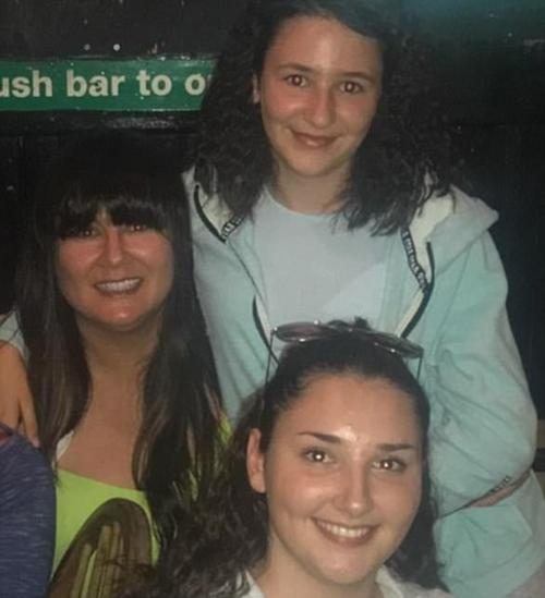 Ms Nelson, 43, pictured with her daughters Bryanne (bottom), 17, and Zofie, 12