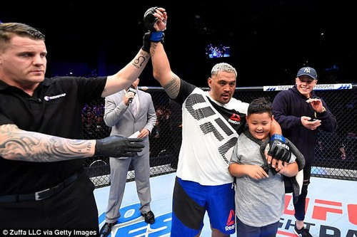 Hunt (pictured after his last fight in Auckland) also known as the ¿Super Samoan¿, claims he was ¿misquoted¿ in the first-person piece