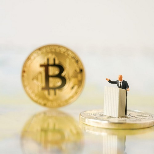Chinese Analyst Describes Bitcoin as Potential
