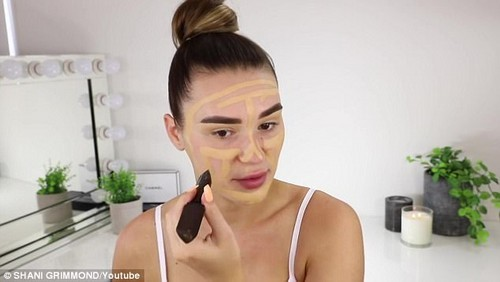 Shani used a brow pomade to define her eyebrows andapplied foundation and concealer on her chin so it 'comes out a bit more'
