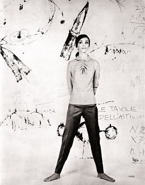 Johnny Moncada; garment Luisa Spagnoli, backdrop by Gastone Novelli and Achille Perilli, autumn-winter 1960-1961