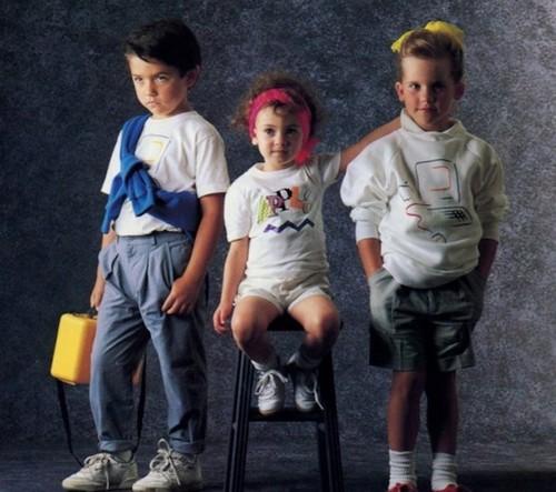 Детей тоже можно было с ног до головы одеть в Apple.