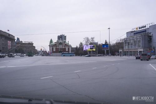 С площади убрали все припаркованные автомобили