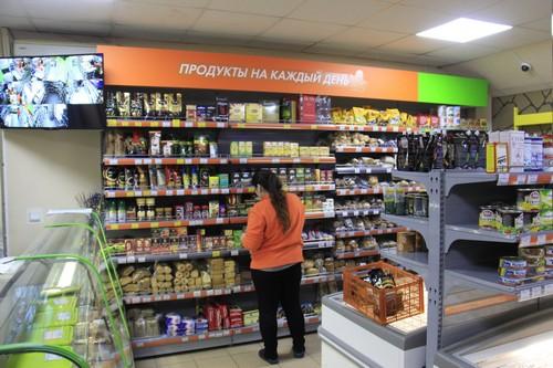 Магазины «Фасоль» выглядят как часть единой сети, но принадлежат разным владельцам, каждый из которых сам решает, чем торговать