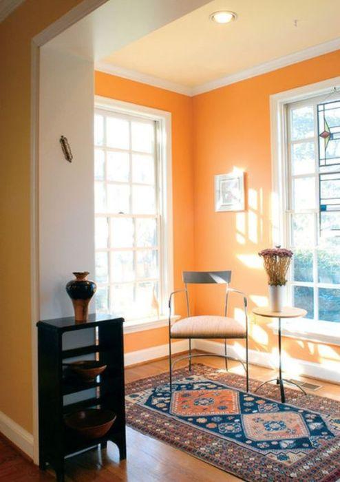 Оранжевая комната - самый уютный уголок в доме.
