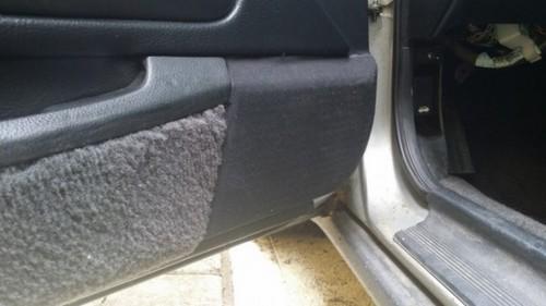 Динамик в водительской двери. | Фото: cheatsheet.com.