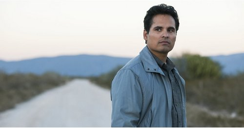 Netflix Just Dropped the First Look at Michael Peña and Diego Luna in Narcos, and OMG