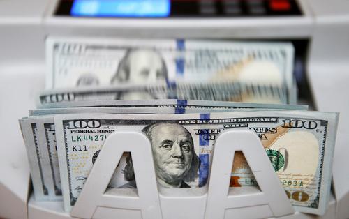 Как спасти валютные вклады россиян в случае санкций