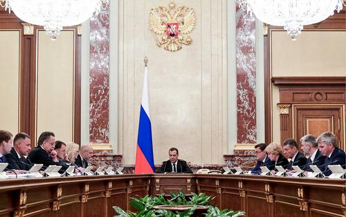Медведев предрек трудности российской экономике
