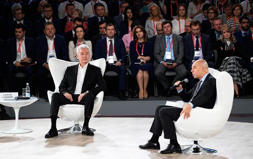 Силуанов и Собянин поспорили о росте зарплат бюджетников