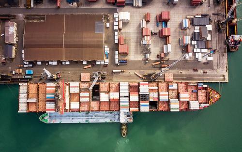 Экономисты усмотрели опасность в падении импорта