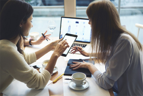 4 Steps to Building the Perfect Influencer Partnership — Pick Your Platform