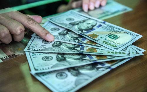 Насколько ослабнет курс рубля, из-за политики Центробанка