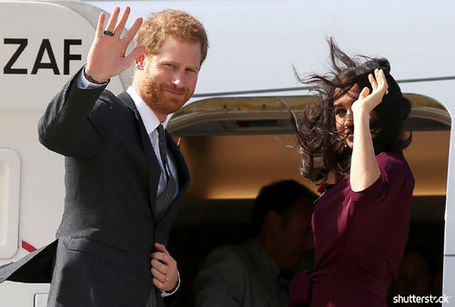 Prince Harry and Meghan Markle: The Year in Review — Waving in Sydney