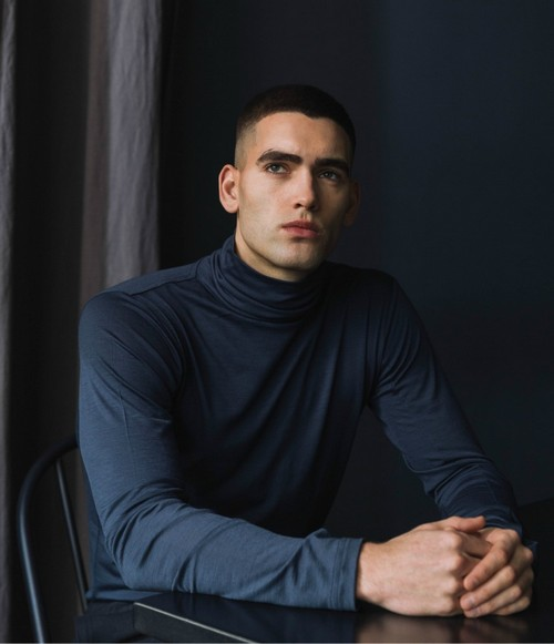 Shield yourself from subzero temperatures with an extra layer of 100 percent merino wool. The new winter base layer is warm enough to use as an undershirt with thoughtful design details to add extra insulation for the coldest weather.