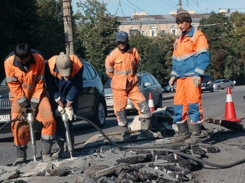 In the State Duma proposed to ban road works on holidays