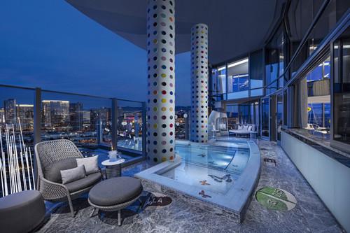 Balcony _ Pool