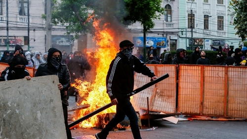 Chile extends curfew for moment in time night after new clashes