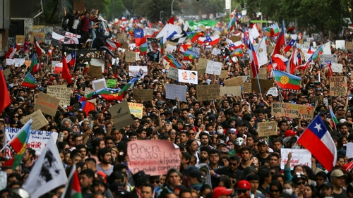 Chile protests: President to exercise state of emergency at midnight