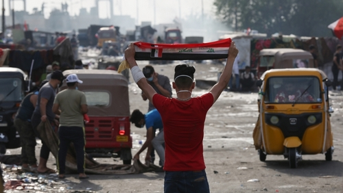 Iraqi students join thousands located in ongoing anti-gov't protests