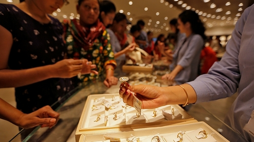 Gold bullion prices in India land 5-month high amid becoming demand